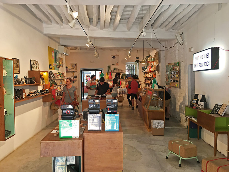 Design and Photography shop in Barcelona  b0f2e84c357